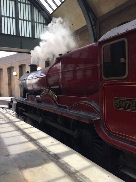 Hogwarts Express Kings Cross Hogsmeade Wizarding World Harry Potter Universal Studios Orlando Florida