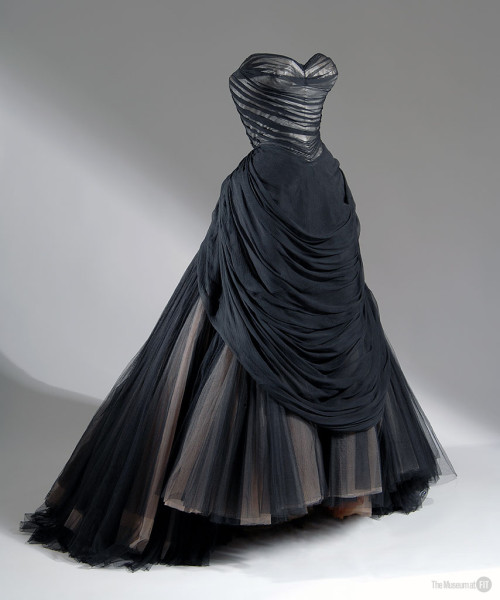 FIT Charles James Swan Kylo Ren